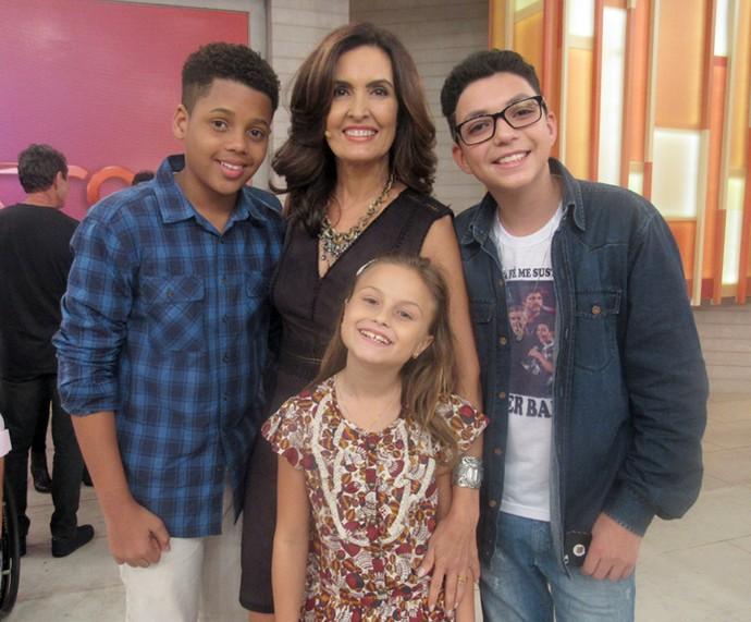 Semifinalistas do 'The Voice Kids' com a Fátima  (Foto: Priscilla Massena/Gshow)
