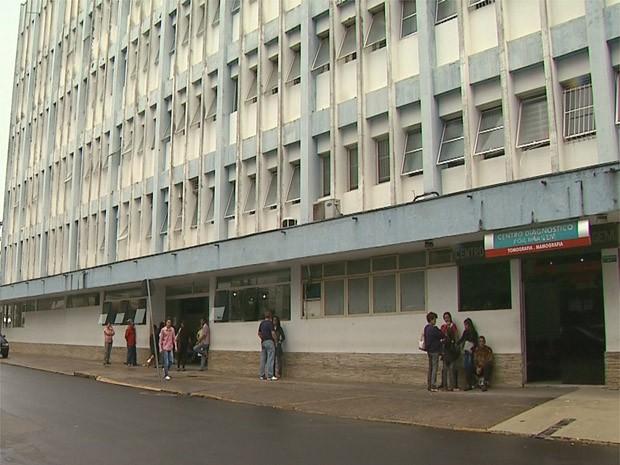 Criança está internada em estado grave na Santa Casa de Franca (Foto: Márcio Meireles/EPTV)
