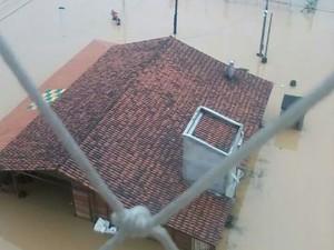 Diversas unidades educacionais estão alagadas  (Foto: Karine Silva/Divulgação)