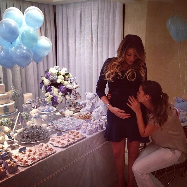Milena Toscano e Luma Costa no chá de bebê de Antonio, filho de Luma (Foto: Reprodução/Instagram)