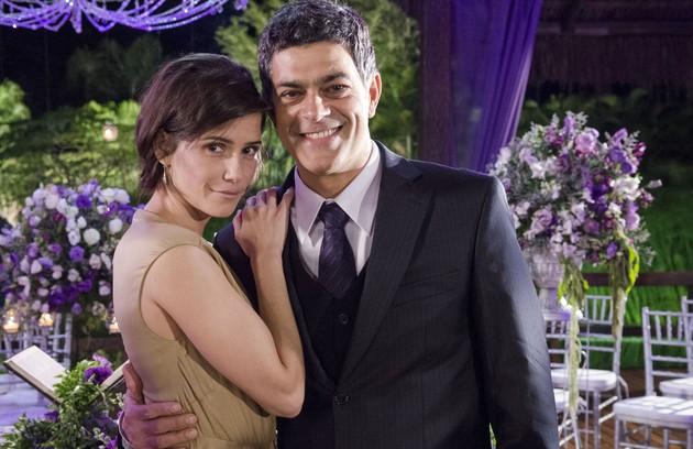 Com o cabelo curtinho em 'Louco por elas', na qual ela interpreta a ex-mulher do personagem de Eduardo Moscovis (FOTO: Raphael Dias/TV Globo)