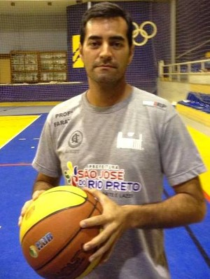 Renato Dario técnico de basquete Dracena (Foto: Reprodução)
