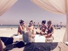 Maria Melilo curte férias em Ibiza e volta a fazer topless