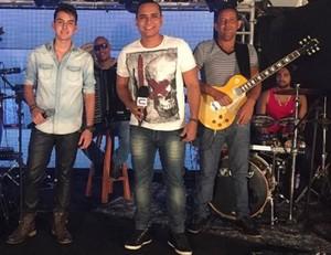 A banda do Pedro Guilherme disputa uma vaga na final do 'Garagem Acústica' (Foto: Fernanda Pinheiro)