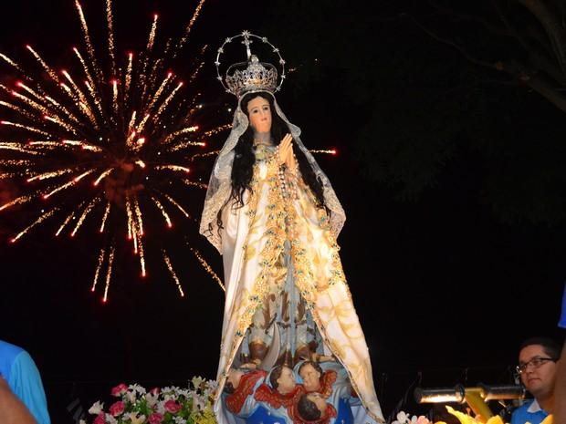 Trasladação da imagem de Nossa Senhora da Conceição, em Santarém (Foto: Luti Gomes/G1)