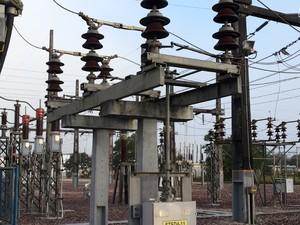 Cabo rompido que causou o desligamento de energia (Foto: Eletronorte)