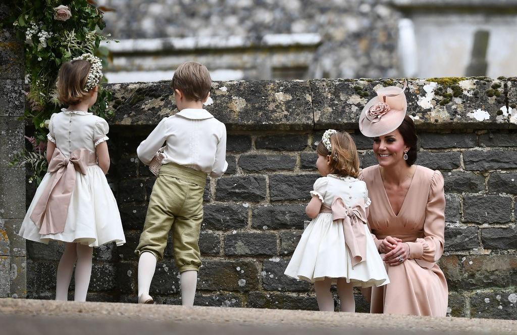 Kate Middleton e parte do cortejo  (Foto: Getty Images)