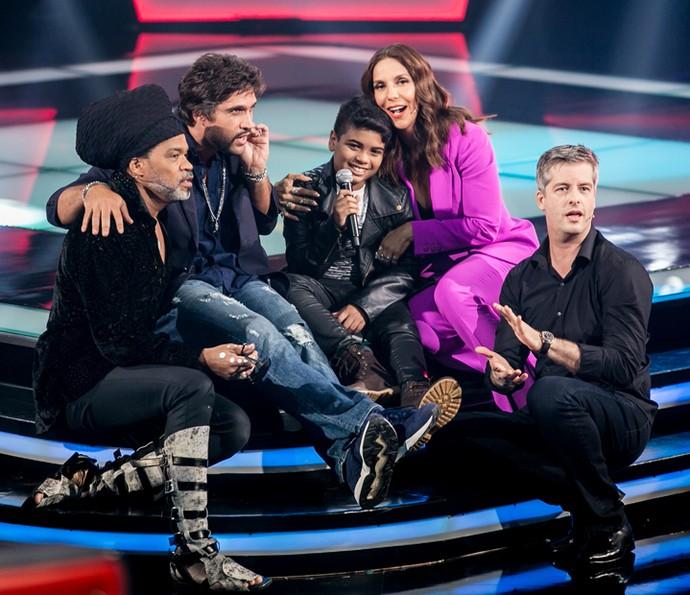 João Pedro Borges encantando todos os técnicos do The Voice Kids (Foto: Isabella Pinheiro/Gshow)