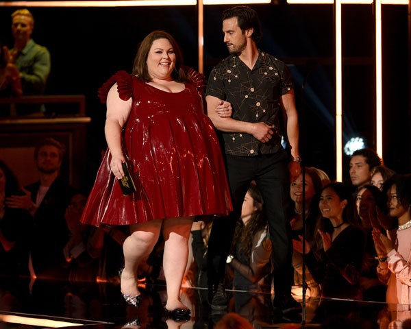 Chrissy Metz no palco do MTV Movie Awards (Foto: Getty Images)