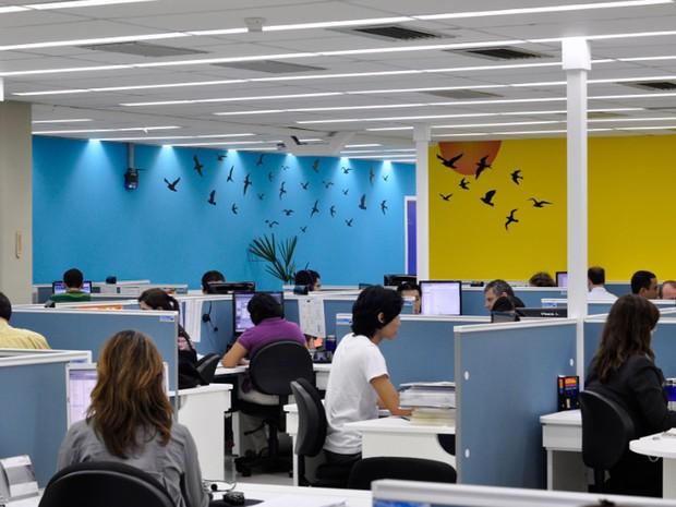 Funcionários em empresa de tecnologia de Campinas (Foto: Marcos Peron)