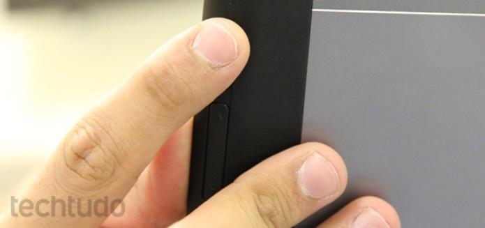 Botões de volume e bloqueio de tela do Xoom 2 (Foto: Marlon Câmara / TechTudo)