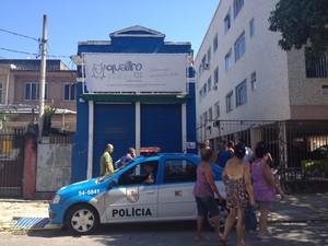 PM é acionada para confusão em pet shop que funcionário maltrata animais (Foto: Carolina Lauriano / G1)