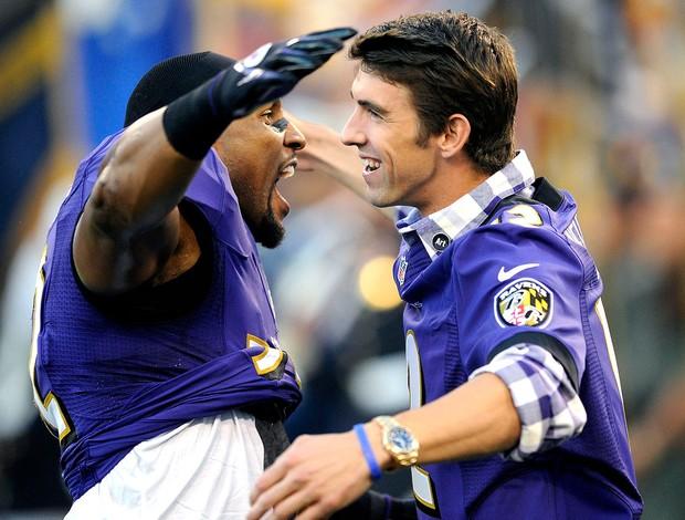 Phelps partida da NFL Baltimore Ravens  (Foto: AP)