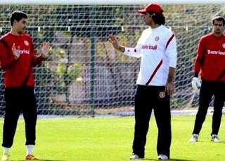 Fernandão e Bolívar Inter 2012 (Foto: Alexandre Lops/Divulgação Inter)