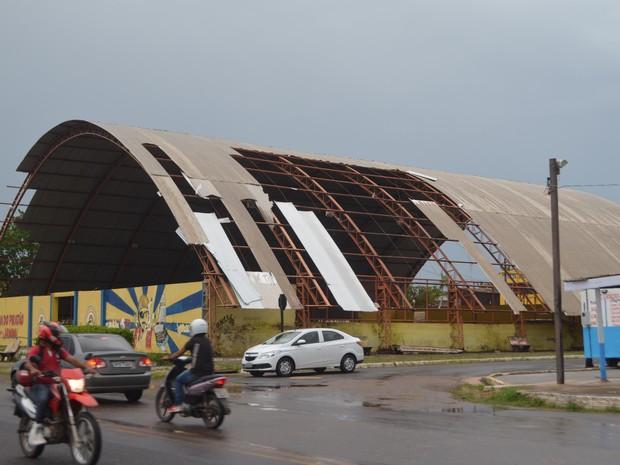 amapá; macapá; chuva; ventania; sem telhas;  (Foto: John Pacheco/G1)