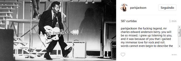 Paris Jackson lamenta a morte de Chuck Berry:  'Eu cresci ouvindo você'