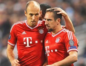 Robben e Ribery comemoração jogo Bayern de Munique e Manchester City (Foto: EFE)