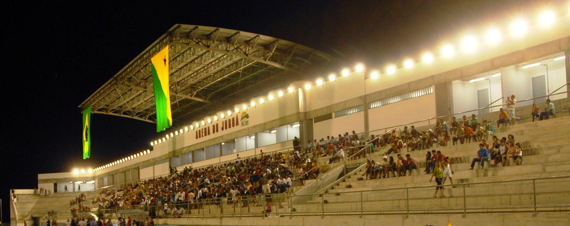 Arena do Juruá em Cruzeiro do Sul foi inaugurado parcialmente em 2010. Obra custou mais de R$ 18 milhões.  (Foto: Cedida)