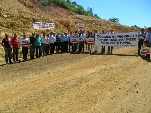 Movimento fez protesto em 2012 pela conclusão da BR-010 no Tocantins (Foto: Divulgação/Movimento Pró-BR-010)