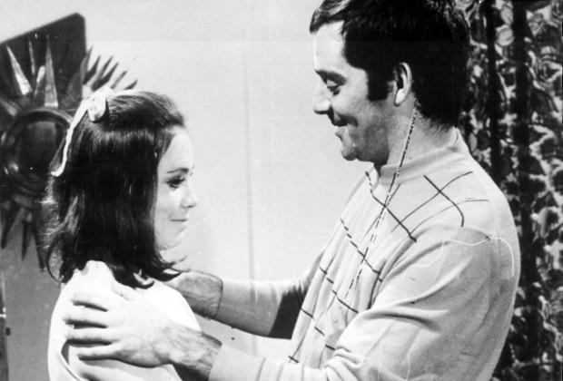 Ritinha (Regina Duarte) e Duda (Claudio Marzo) em Irmãos Coragem