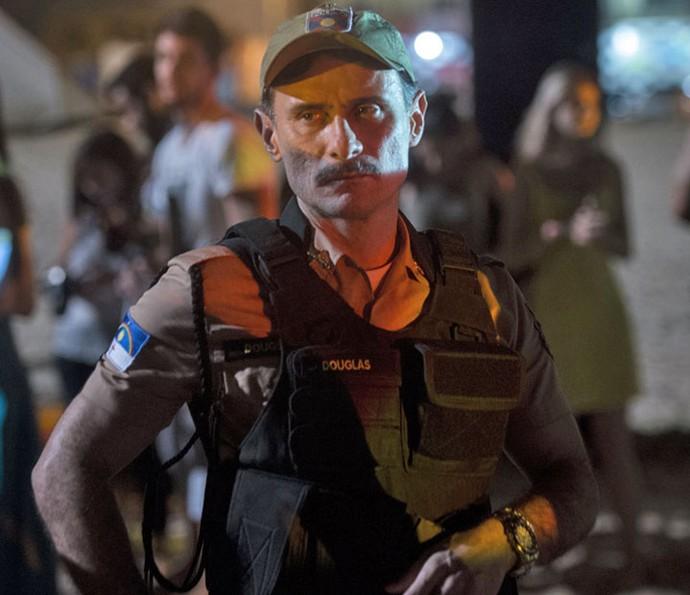 Enrique Diaz será o policial Douglas em Justiça (Foto: Estevam Avellar/Globo)