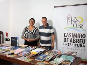 Diversas bibliotecas do município foram beneficiadas.  (Foto: Divulgação/ Secom Casimiro de Abreu)