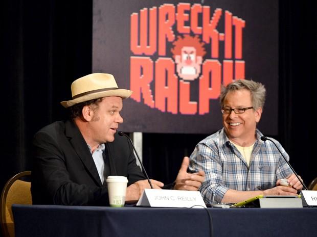 John C. Reily e o diretor Rich Moore (Foto: Disney/Divulgação)