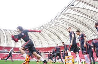 Inter, treino, Valdívia, Eduardo Sasha (Foto: Ricardo Duarte / Internacional/ Divulgação)