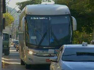 Ônibus intermunicipais não podem mais circular no Centro de Nova Friburgo (Foto: Reprodução / Inter TV)