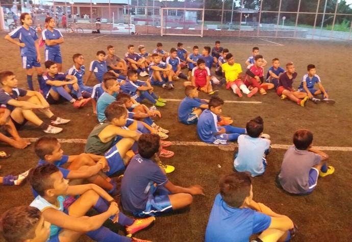 Polo atraiu dezenas de crianças e adolescentes para treinos na cidade-porto (Foto: Imagem/Divulgação)