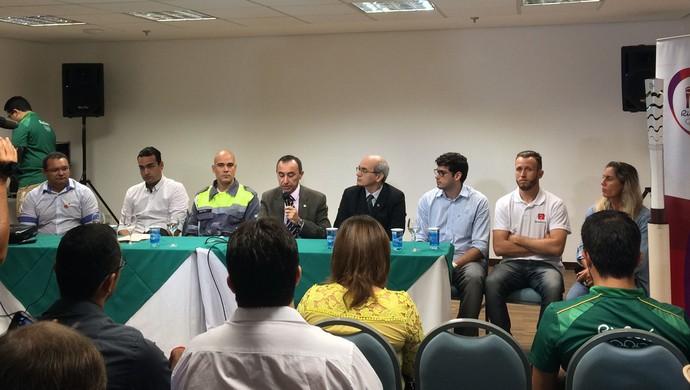 Reunião revezamento tocha (Foto: Viviane Leão/GloboEsporte.com)