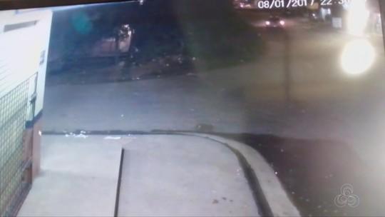 Vídeo mostra família atropelada ao sair da igreja em Macapá; motorista fugiu