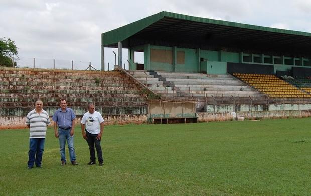 Estádio Matsubara Cambará torcida TOM (Foto: Ovanir de Jesus/arquivo pessoal)