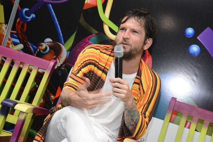 Saulo concedeu coletiva à imprensa após o show (Foto: André Carvalho / Ag. Haack)