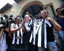 Pintou o 7! Montillo é apresentado no Botafogo com pompas para a torcida