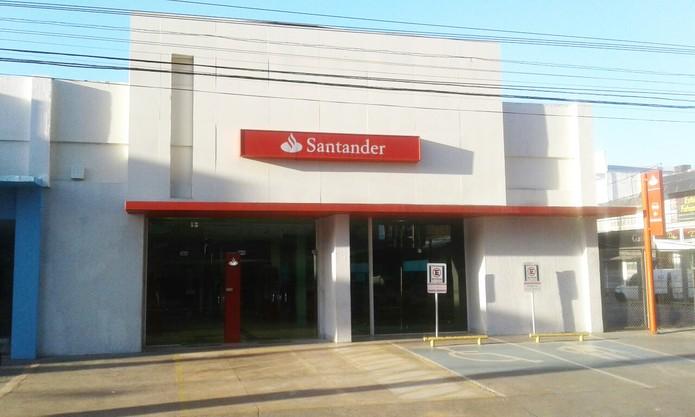 Agência do Santander, na Av. Rui Barbosa, no Centro de Santarém