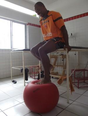 Denilson, atacante do CRB (Foto: Caio Lorena / GloboEsporte.com)