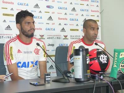 Wallace e Emerson Sheik - Flamengo (Foto: Fred Gomes)