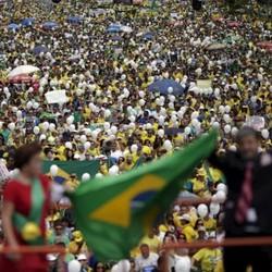 Manifestação contra o impeachment de Dilma (Foto: Ueslei Marcelino / Reuters) | Manifestação contra o impeachment de Dilma (Foto: Ueslei Marcelino / Reuters)