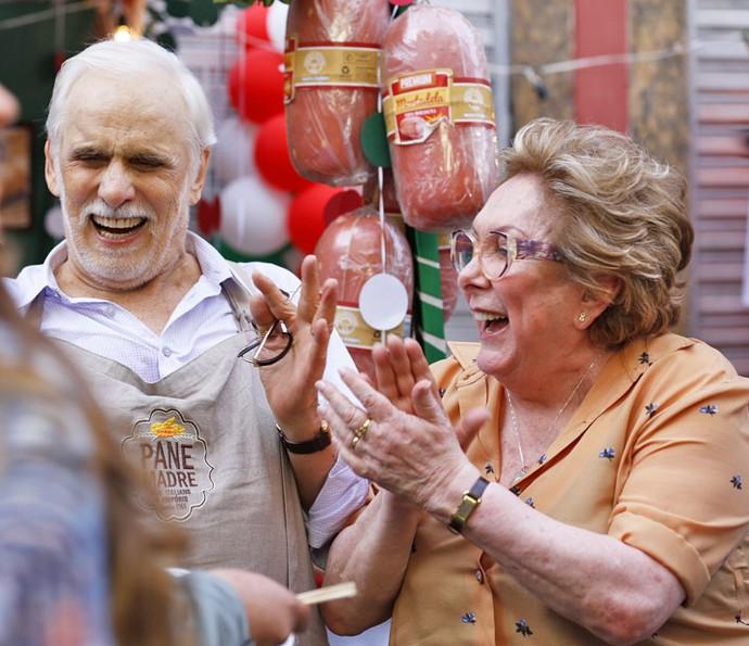 Gaetano e Geppina curtem festa no primeiro capítulo (Foto: Ellen Soares/Gshow)