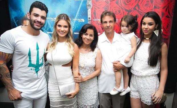 Gusttavo Lima, Andressa Suita e família  (Foto: Reprodução/Instagram)