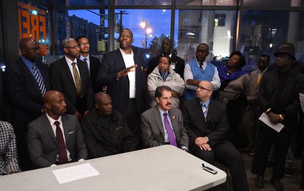 Integrantes do Conselho de Assuntos Africanos (CAA) falam sobre os problemas causados pelo ebola em Nova York (Foto: Don Emmert/AFP)