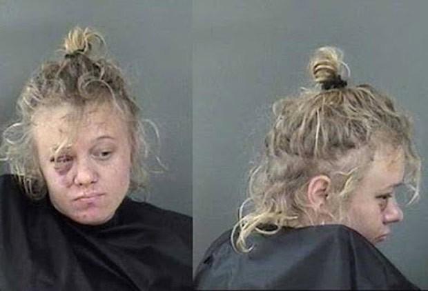 Amber Baldwin foi presa por jogar objetos em homem que se recusou a fazer sexo com ela (Foto: Indian River County Jail)