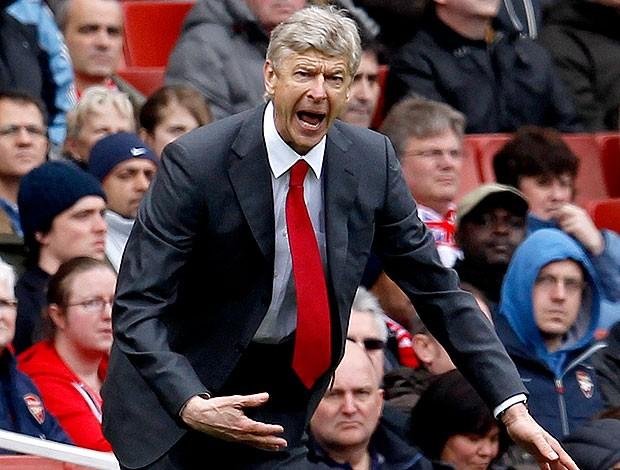 Arsene Wenger na partida do Arsenal contra o Norwich (Foto: Reuters)