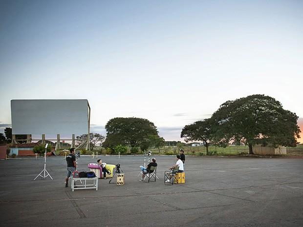Cena do curta-metragem 'Cine drive-in – cinema sob o céu', da mostra competitiva do 3° Curta Brasília  (Foto: Reprodução/Alexandre Magno)