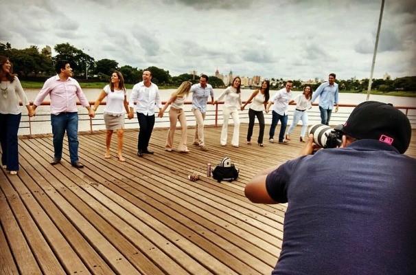 Profissionais se reuniram pra fazer parte da grande ciranda (Foto: Reprodução/TV TEM)