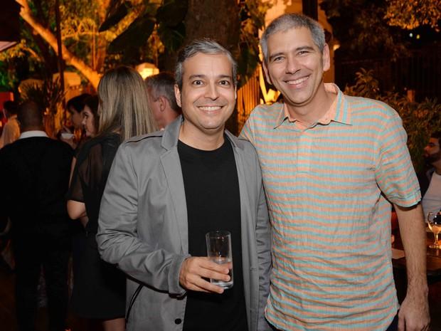 Renato Ribeiro e Carlos Gil em festa na Zona Sul do Rio (Foto: Ari Kaye/ Divulgação)