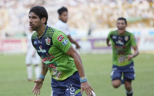 BLOG: Loco Abreu leva título em El Salvador com dois gols na final e virada nos acréscimos