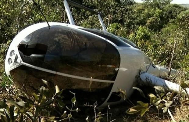 Helicóptero cai em Corumbá de Goiás e os quatro ocupantes sobrevivem 1 (Foto: Reprodução/ TV Anhanguera)
