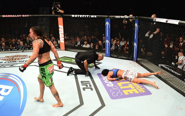 UFC 181 - Raquel Pennington e Ashlee-Evans Smith (Foto: Robert Laberge / Getty Images)